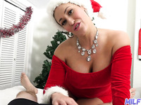 Beautiful MILF with nice curves Ryan Keely is eager to ride cock right