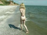 Алена на море