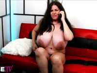 Solo mature cunt shows her overgrown tits and shakes her fat ass