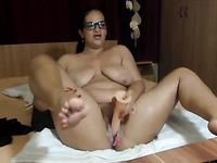 Hot BBW Babe loves masturbating on webcam live